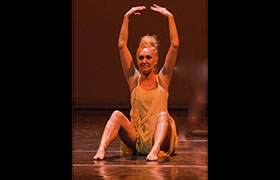 STUDIO DANSE FLEXION - Ecole de Danse à Reims - Sandrine ROBERRINI - Barre à Terre